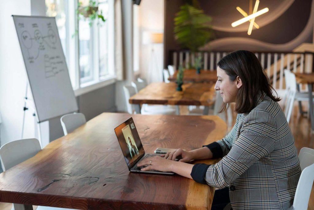 reuniones virtuales en equipo remoto