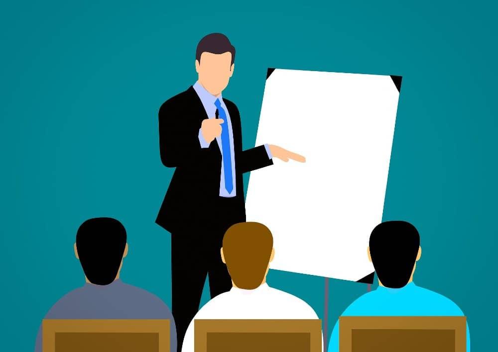 rol de gerentes medios empresa